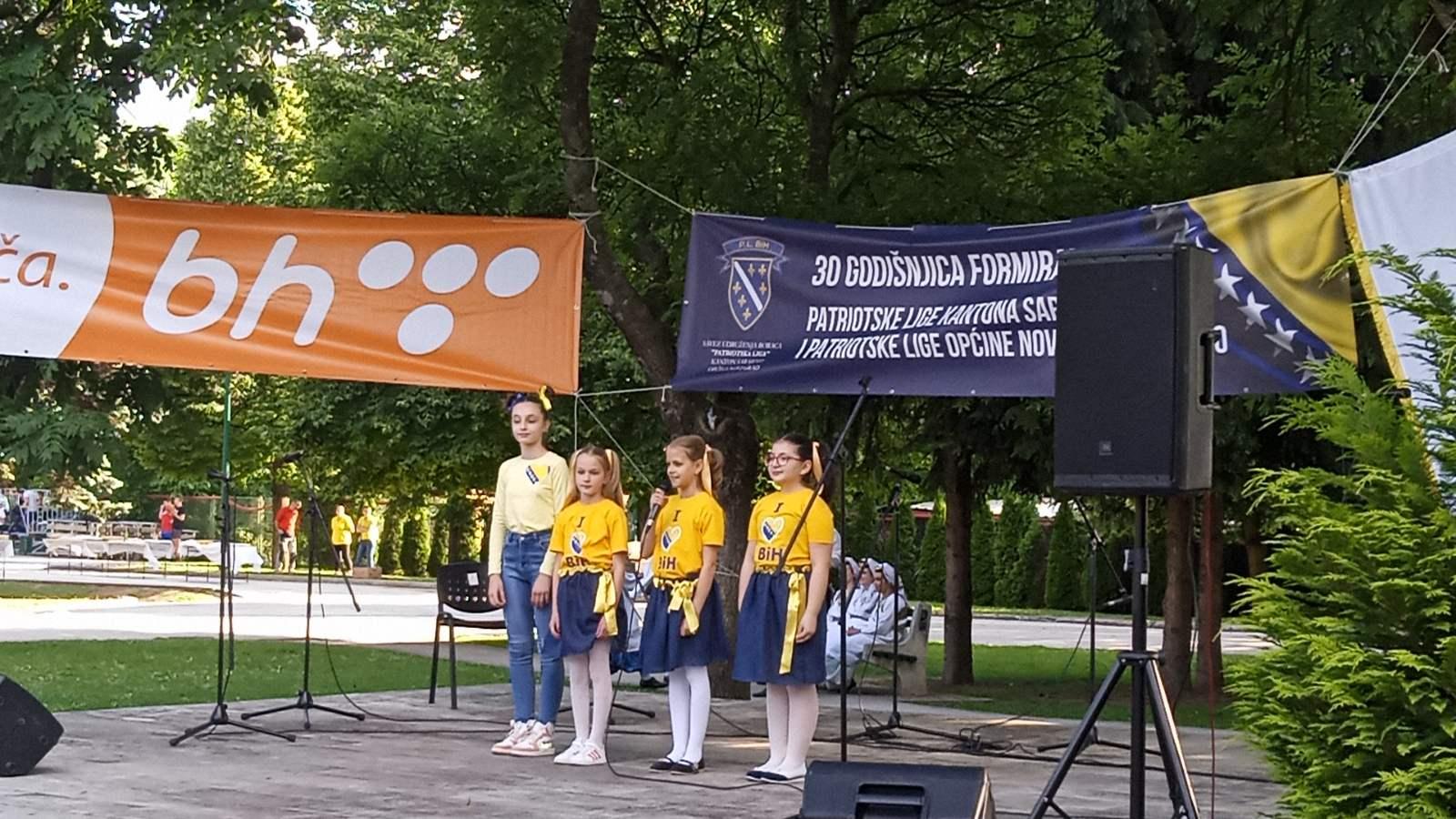Učenice četvrtog razreda  učestvovale na obilježavanju 30. jubilarne godišnjice formiranja Patriotske lige BiH
